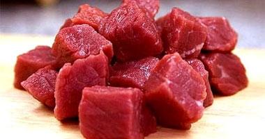 المشروبات الكحولية واللحوم الحمراء تسبب مرض النقرس