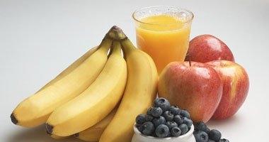 تناول الأطعمة الغنية بالألياف والإكثار من الفاكهة لتجنب سرطان الدم