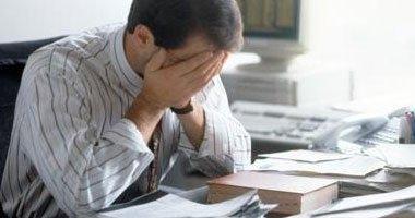 دراسة: الانشغال الدائم بالعمل يؤثر سلبا على نظام غذائك ويعرض صحتك للخطر