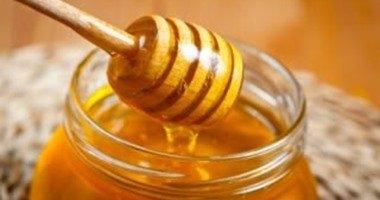 الليمون والعسل إضافة لذيذة لأعشاب الأنفلونزا يُغير مذاقها ويزيد فوائدها