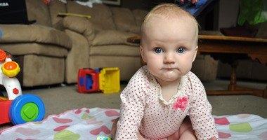 مشاهدة طفلك التليفزيون فى عامه الأول يصيبه بالتأخر العقلى