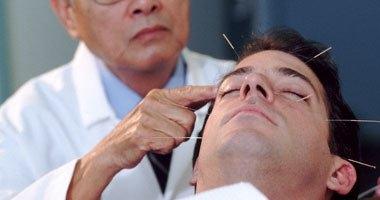العوامل النفسية تؤثر على علاج آلام الظهر بالإبر الصينية