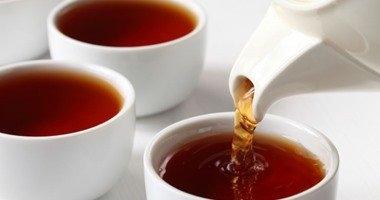 احذر.. الشاى السادة على معدة فاضية بيوجع البطن