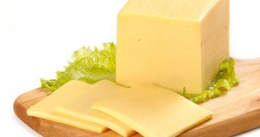خبير تغذية: الجبن المذاب أقل دسامة أربعة أضعاف من الزبد