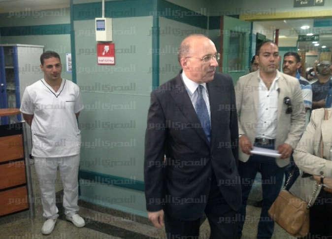 إقالة مدير مستشفى ديروط بعد وفاة طفل
