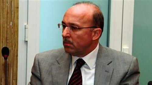 وزير الصحة يناقش خطة تطوير خدمات الطوارئ والرعاية الحرجة بالمحافظات