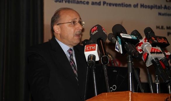 وزير الصحة يجتمع باللجنة العليا للطوارئ.. ويؤكد: وحدات إسعافية خاصة بضحايا الحوادث.. وتشديد الرقابة على المستشفيات