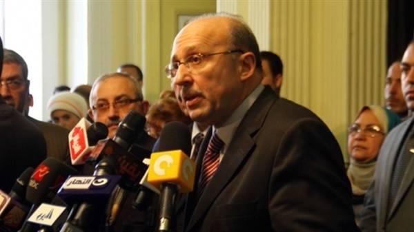 وزير الصحه يجدد عقد الزماله لطب الآسره بين مصر والمملكه المتحده